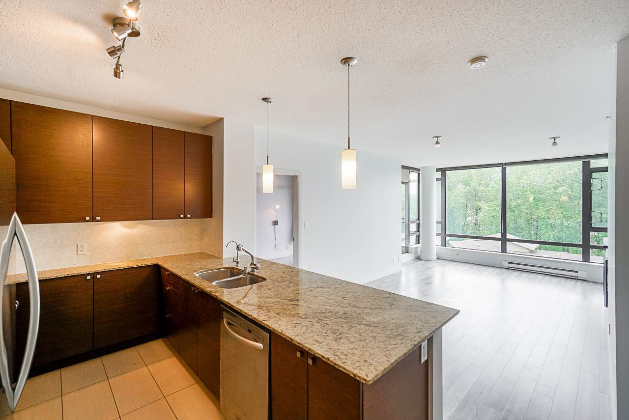 """Photo 2: Photos: 605 110 BREW Street in Port Moody: Port Moody Centre Condo for sale in """"ARIA 1"""" : MLS®# R2370460"""