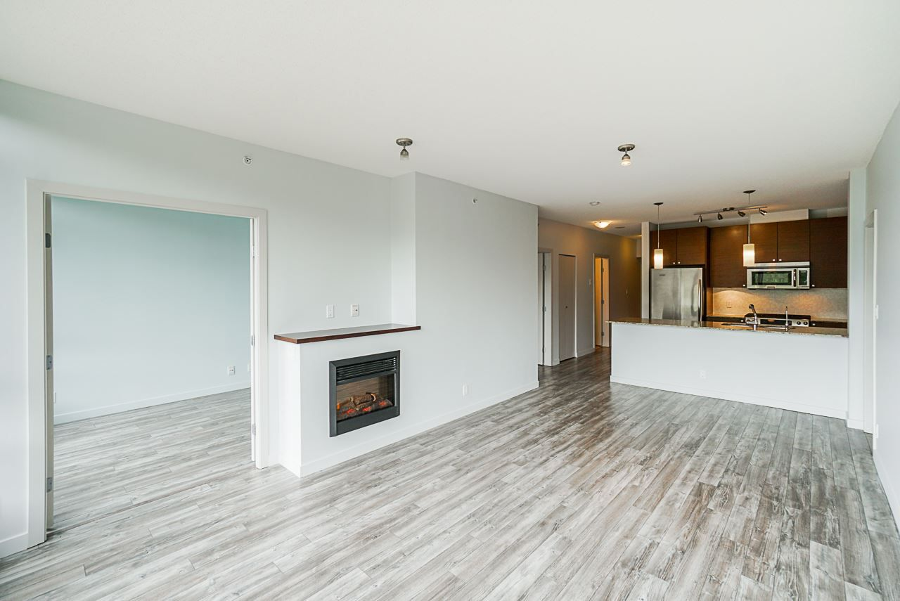 """Photo 5: Photos: 605 110 BREW Street in Port Moody: Port Moody Centre Condo for sale in """"ARIA 1"""" : MLS®# R2370460"""