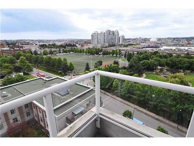 "Main Photo: 1209 550 TAYLOR Street in Vancouver: Downtown VW Condo for sale in ""THE TAYLOR"" (Vancouver West)  : MLS®# V903570"