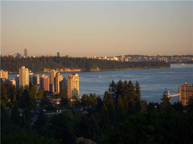 Main Photo: 2530 PALMERSTON AV in West Vancouver: Dundarave House for sale : MLS®# V994282