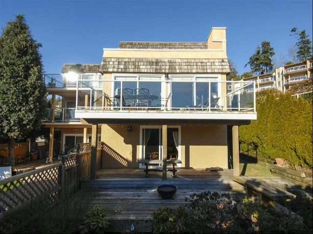 "Main Photo: 14996 BEACHVIEW Avenue: White Rock House for sale in ""WHITE ROCK HILLSIDE"" (South Surrey White Rock)  : MLS®# F1402160"