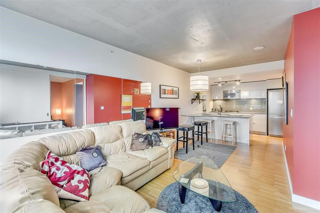 """Photo 3: Photos: 1505 128 W CORDOVA Street in Vancouver: Downtown VW Condo for sale in """"WOODWARDS"""" (Vancouver West)  : MLS®# R2040400"""