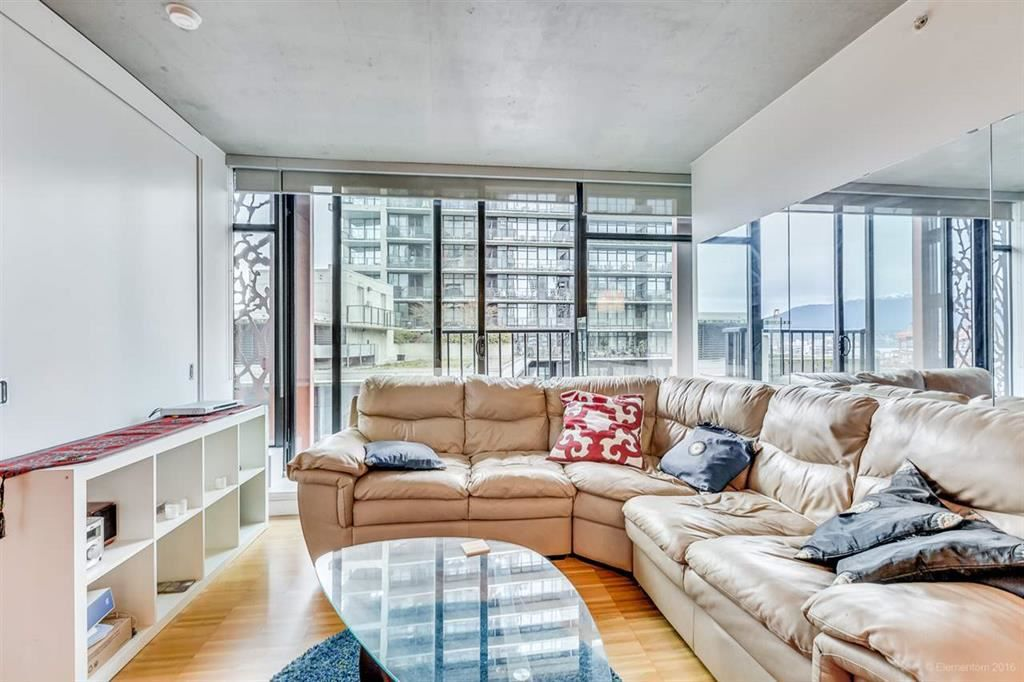"""Photo 2: Photos: 1505 128 W CORDOVA Street in Vancouver: Downtown VW Condo for sale in """"WOODWARDS"""" (Vancouver West)  : MLS®# R2040400"""