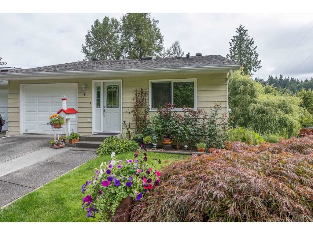 """Main Photo: 31 3350 ELMWOOD Drive in Abbotsford: Central Abbotsford Townhouse for sale in """"Sequestra"""" : MLS®# R2092613"""