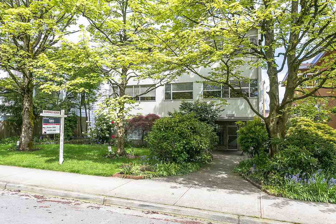 """Main Photo: 206 1149 W 11TH Avenue in Vancouver: Fairview VW Condo for sale in """"KAL'S LAND HOLDING"""" (Vancouver West)  : MLS®# R2168875"""
