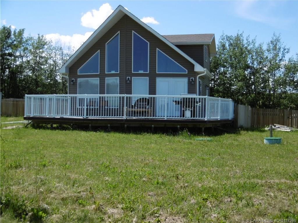Main Photo: 19 Aspen Lane in Parkland Beach: PC Parkland Beach Residential for sale (Ponoka County)  : MLS®# CA0124268