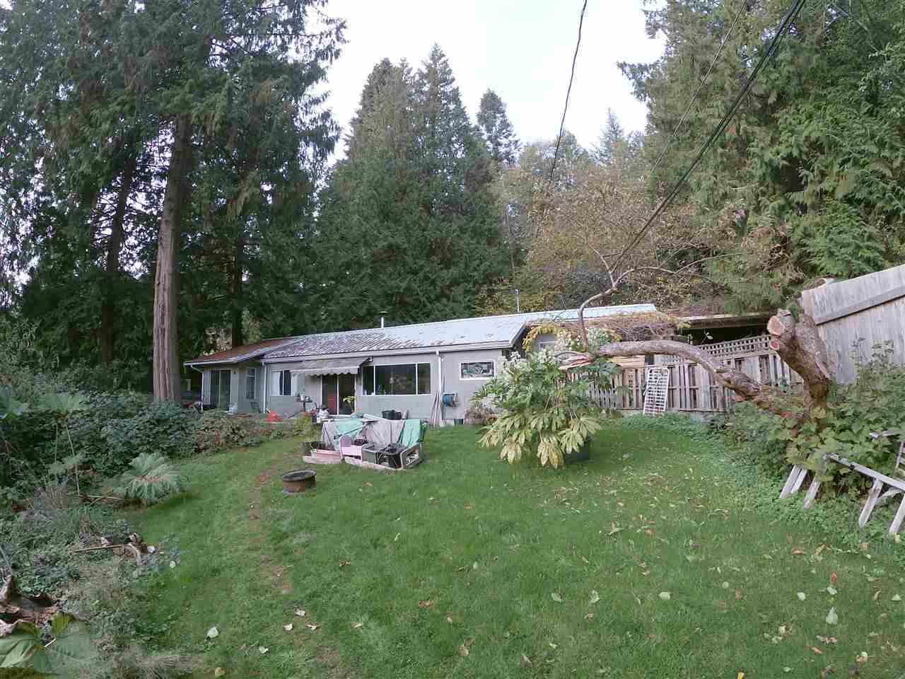 Main Photo: 2002 COACH Road: Roberts Creek House for sale (Sunshine Coast)  : MLS®# R2322876