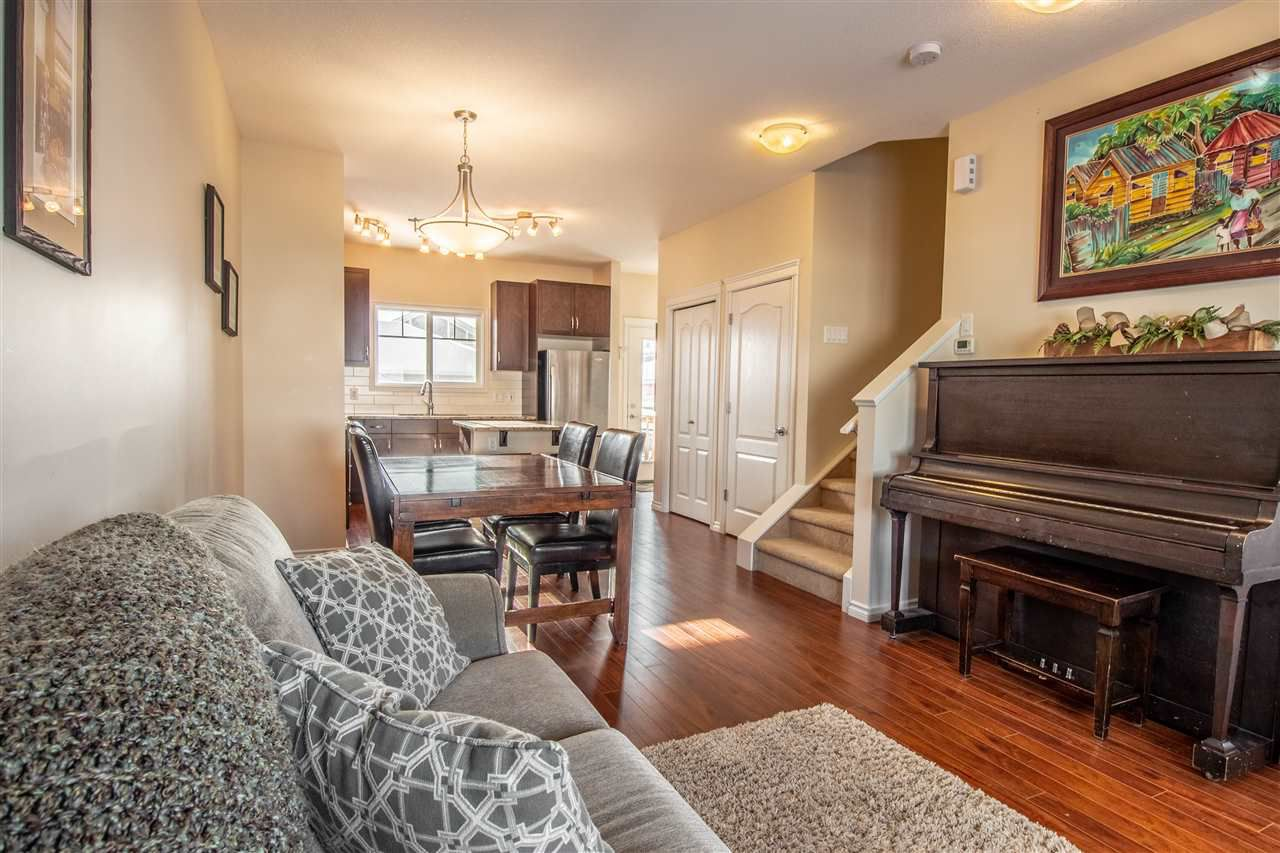 Main Photo: 2673 SIR ARTHUR CURRIE Way in Edmonton: Zone 27 Townhouse for sale : MLS®# E4143491
