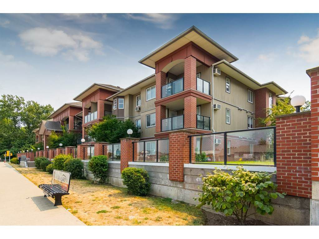 "Main Photo: 314 19774 56 Avenue in Langley: Langley City Condo for sale in ""Madison Station"" : MLS®# R2344693"