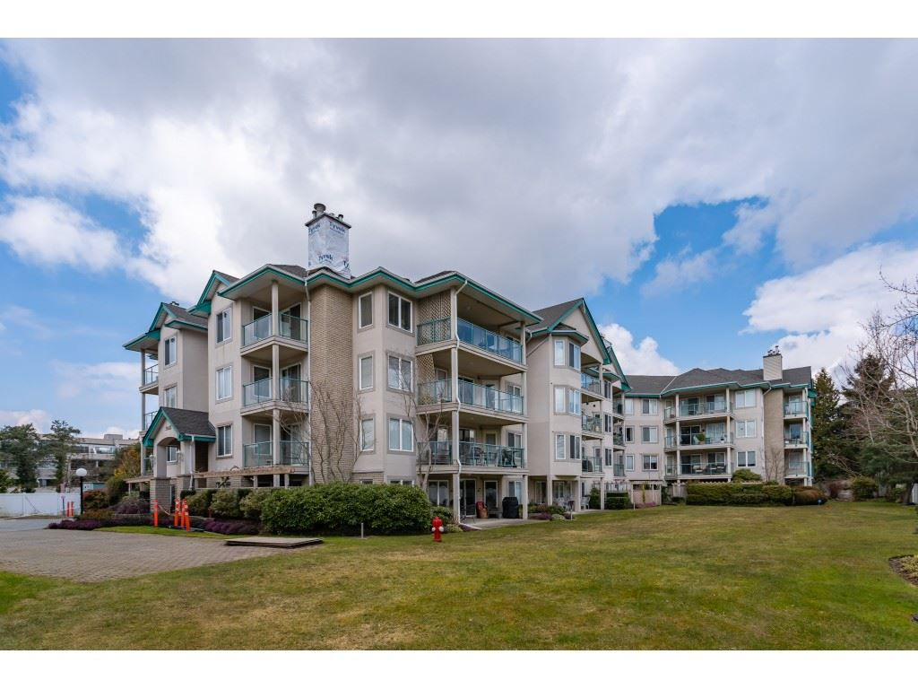 "Main Photo: 206 20453 53RD Avenue in Langley: Langley City Condo for sale in ""COUNTRY SIDE ESTATES- LMS 1236"" : MLS®# R2359919"
