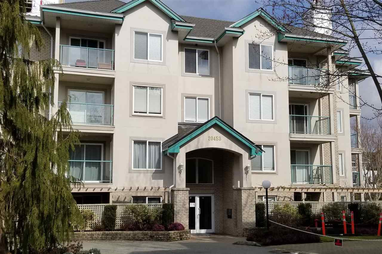 """Main Photo: 206 20453 53RD Avenue in Langley: Langley City Condo for sale in """"COUNTRY SIDE ESTATES- LMS 1236"""" : MLS®# R2359919"""