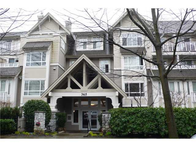 Main Photo: 113 365 E 1ST Street in North Vancouver: Lower Lonsdale Condo for sale : MLS®# V937776