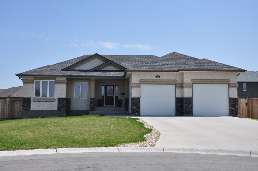Main Photo: 45 Sage Place in Oakbank: Single Family Detached for sale : MLS®# 1209976