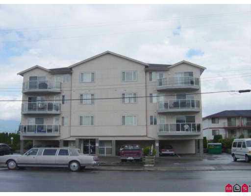 "Main Photo: 302 45729 GAETZ ST in Sardis: Sardis East Vedder Rd Condo for sale in ""EAGLE RIDGE"" (H70)  : MLS®# H2502411"