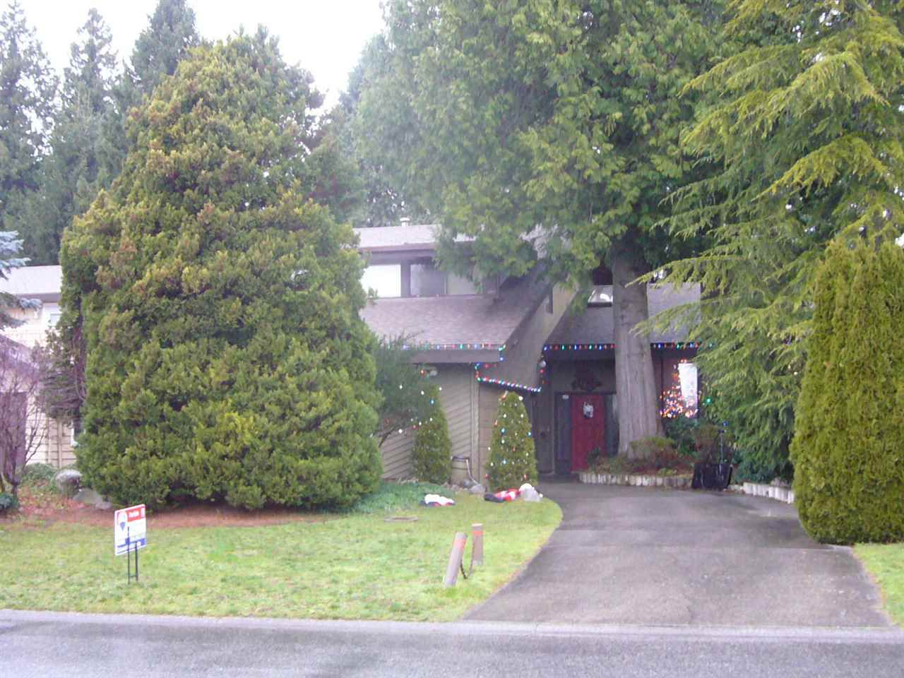 """Main Photo: 14655 16A Avenue in Surrey: Sunnyside Park Surrey House for sale in """"The Glens"""" (South Surrey White Rock)  : MLS®# R2020458"""