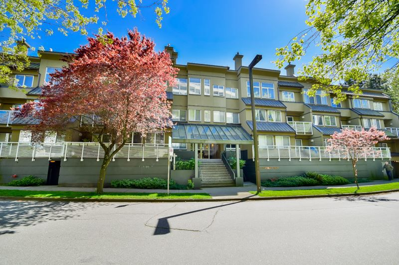 """Main Photo: 202 650 MOBERLY Road in Vancouver: False Creek Condo for sale in """"Edgewater"""" (Vancouver West)  : MLS®# R2061455"""