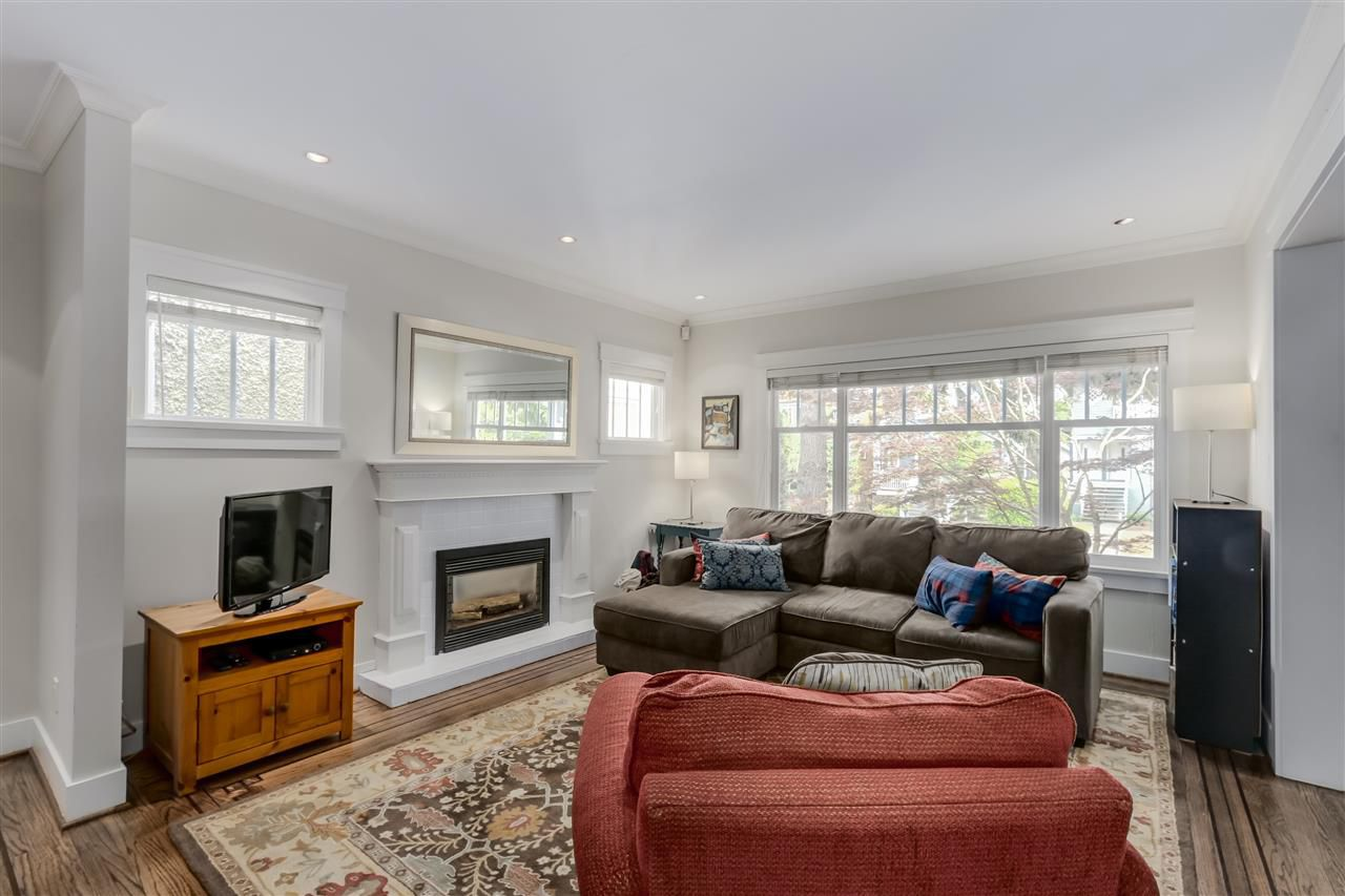 Main Photo: 462 W 19TH Avenue in Vancouver: Cambie House for sale (Vancouver West)  : MLS®# R2077473
