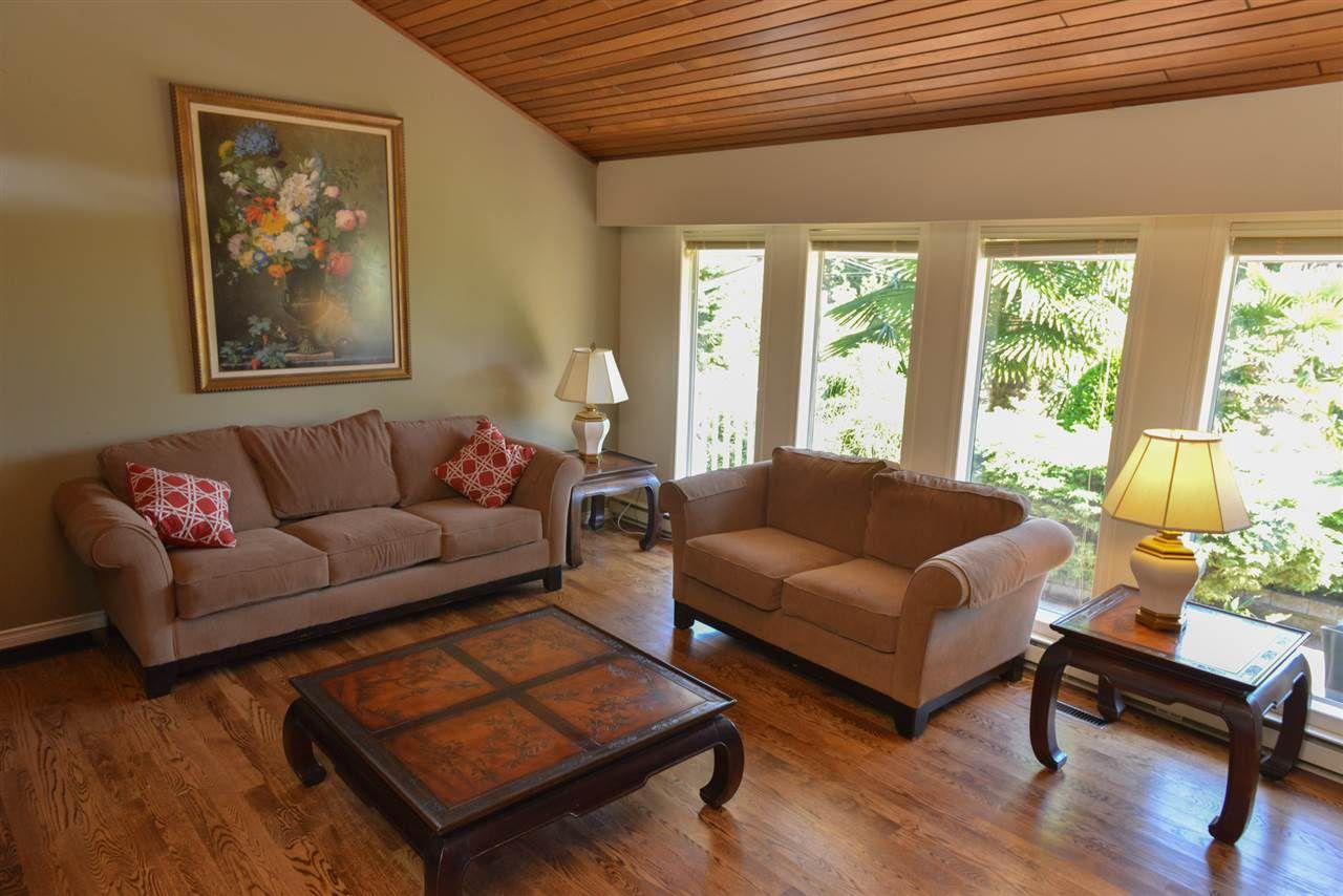 Photo 3: Photos: 5473 WAKEFIELD Road in Sechelt: Sechelt District House for sale (Sunshine Coast)  : MLS®# R2103493