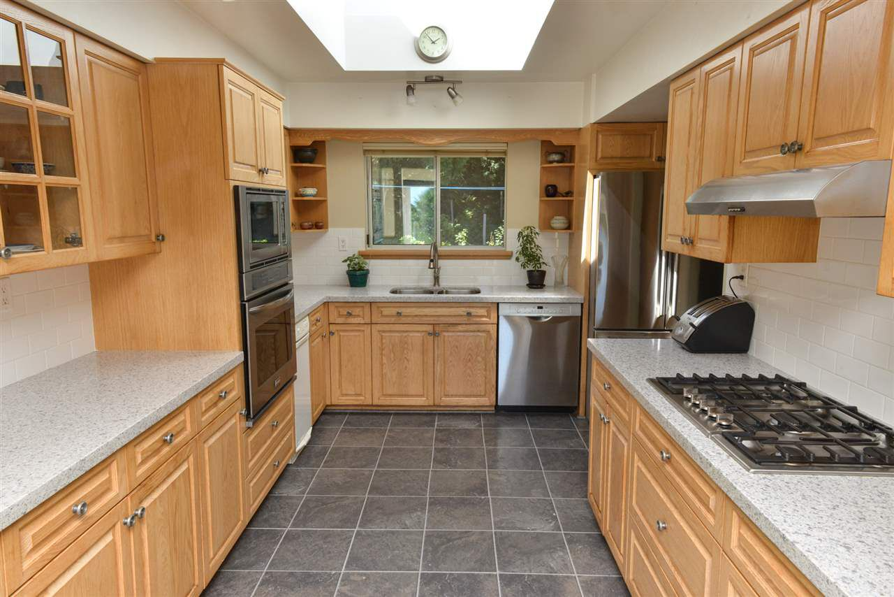 Photo 7: Photos: 5473 WAKEFIELD Road in Sechelt: Sechelt District House for sale (Sunshine Coast)  : MLS®# R2103493