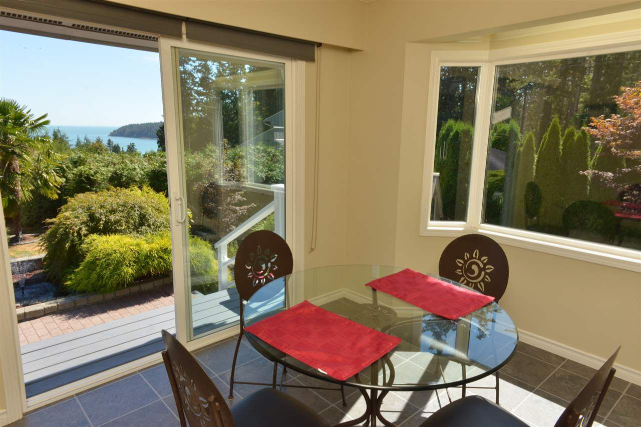 Photo 5: Photos: 5473 WAKEFIELD Road in Sechelt: Sechelt District House for sale (Sunshine Coast)  : MLS®# R2103493