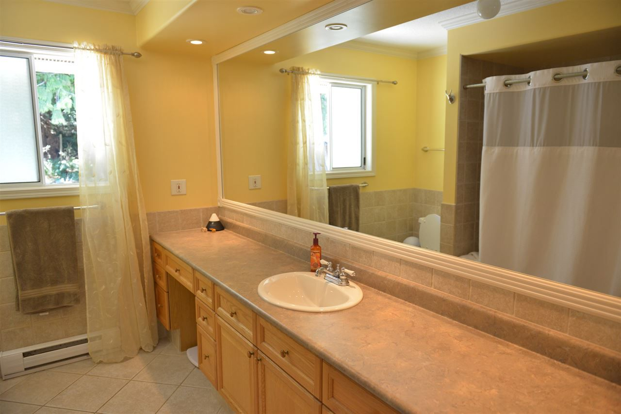 Photo 9: Photos: 5473 WAKEFIELD Road in Sechelt: Sechelt District House for sale (Sunshine Coast)  : MLS®# R2103493