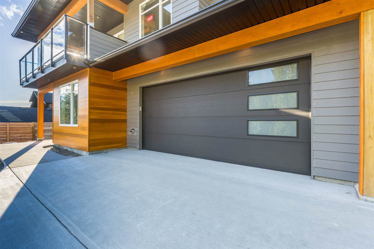 Main Photo: 5637 PAGE Road in Sechelt: Sechelt District House for sale (Sunshine Coast)  : MLS®# R2122040