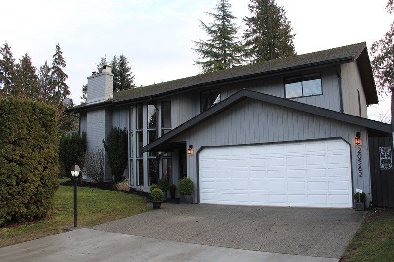 "Main Photo: 20582 45A Avenue in Langley: Langley City House for sale in ""Mossey Estates"" : MLS®# R2132146"