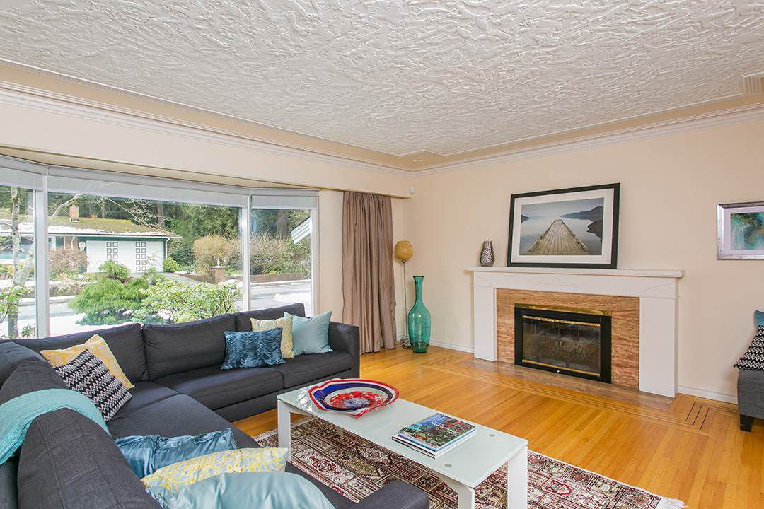 Main Photo: 4565 CAPILANO Road in North Vancouver: Canyon Heights NV House for sale : MLS®# R2146076