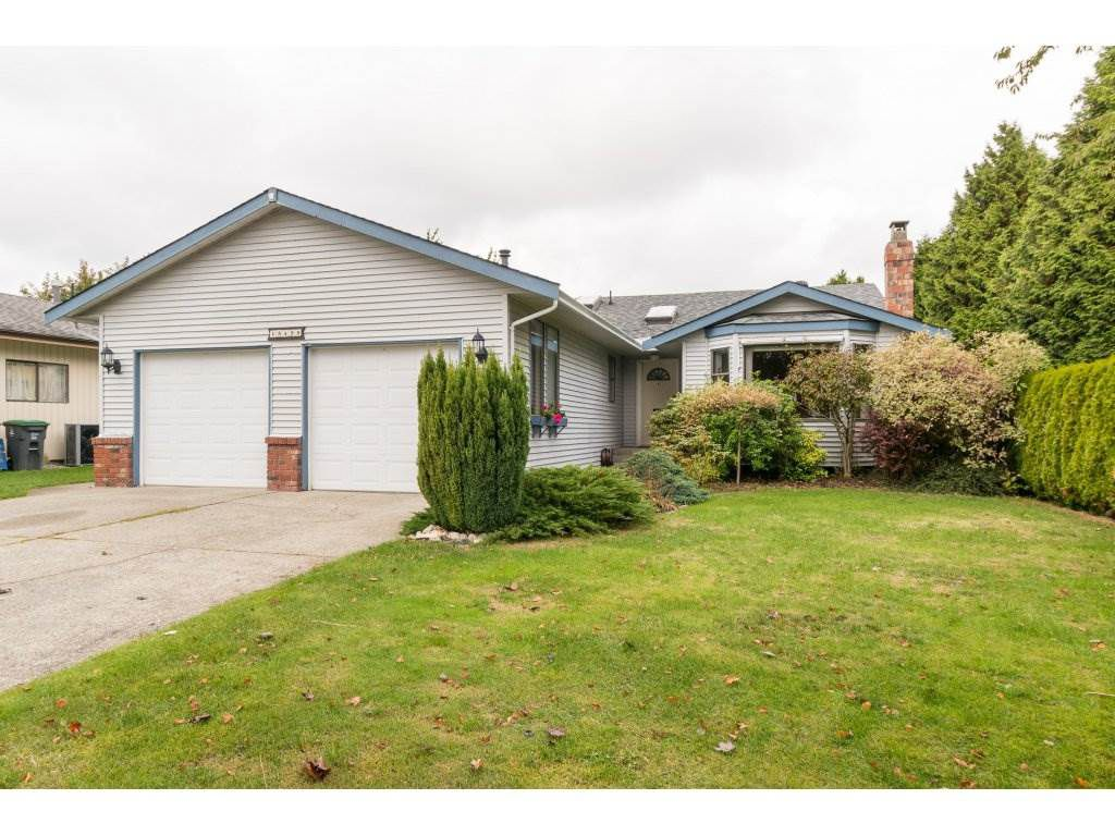 Main Photo: 15455 19 Avenue in Surrey: King George Corridor House for sale (South Surrey White Rock)  : MLS®# R2212130