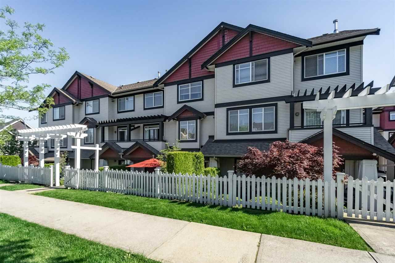 Main Photo: 35 7168 179TH STREET in Surrey: Cloverdale BC Townhouse for sale (Cloverdale)  : MLS®# R2168940