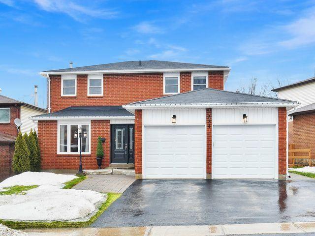 Main Photo: 234 Kensington Place: Orangeville House (2-Storey) for sale : MLS®# W4034442