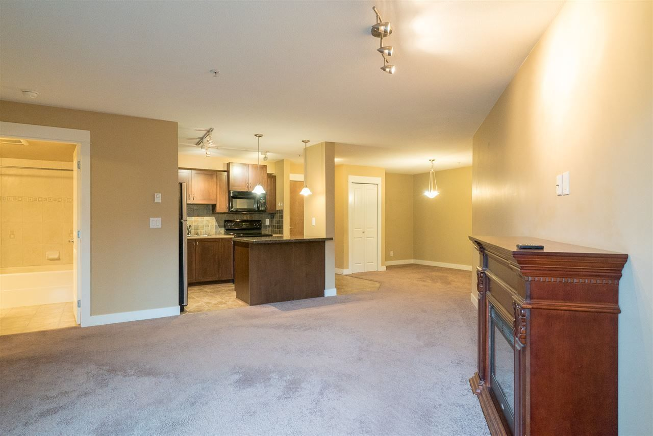 Main Photo: 103 2955 DIAMOND CRESCENT in Abbotsford: Abbotsford West Condo for sale : MLS®# R2236784
