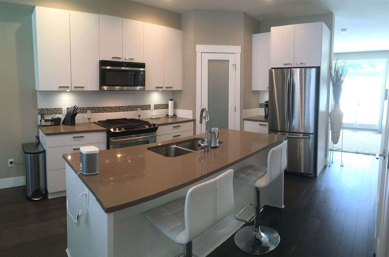 """Main Photo: 10 23709 111A Avenue in Maple Ridge: Cottonwood MR Townhouse for sale in """"FALCON HILLS"""" : MLS®# R2266909"""