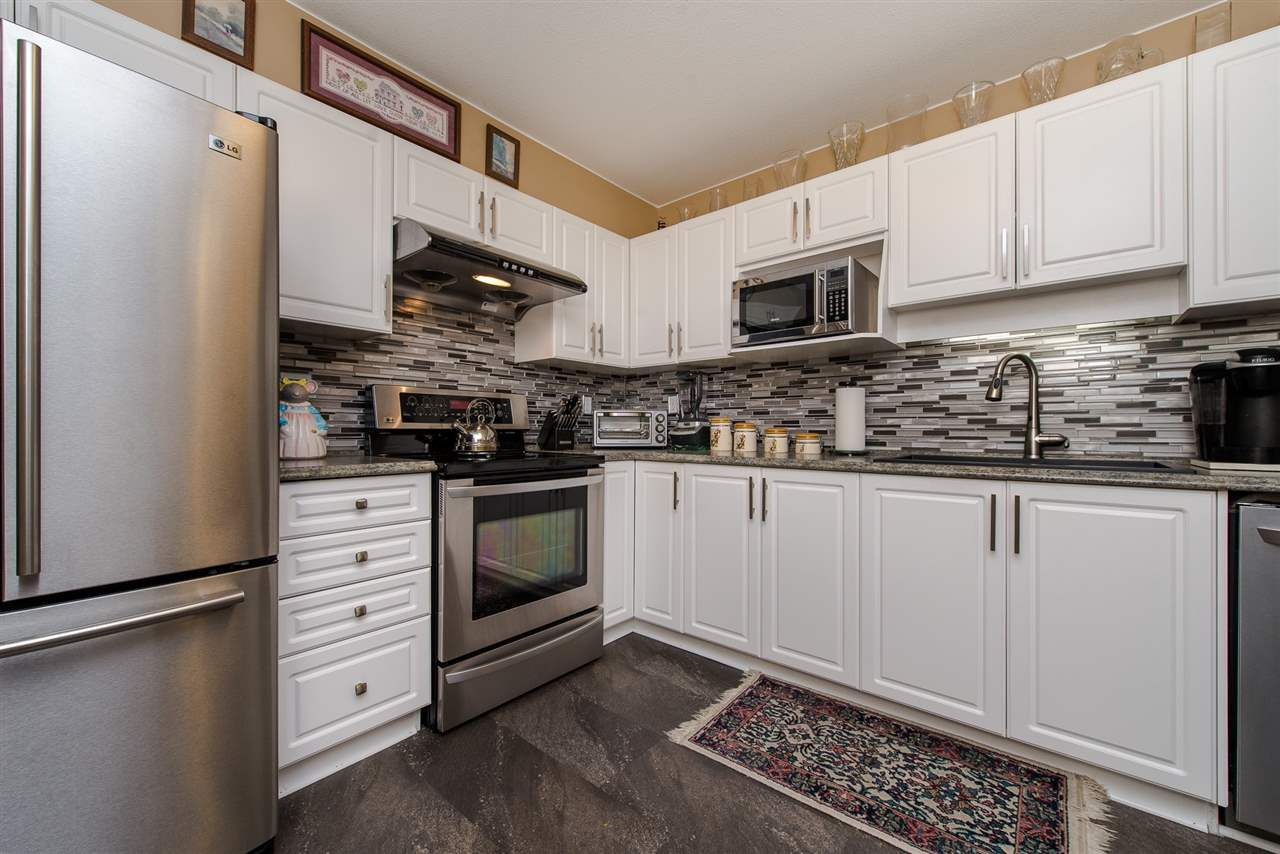 """Main Photo: 209 45520 KNIGHT Road in Sardis: Sardis West Vedder Rd Condo for sale in """"Morningside"""" : MLS®# R2289980"""