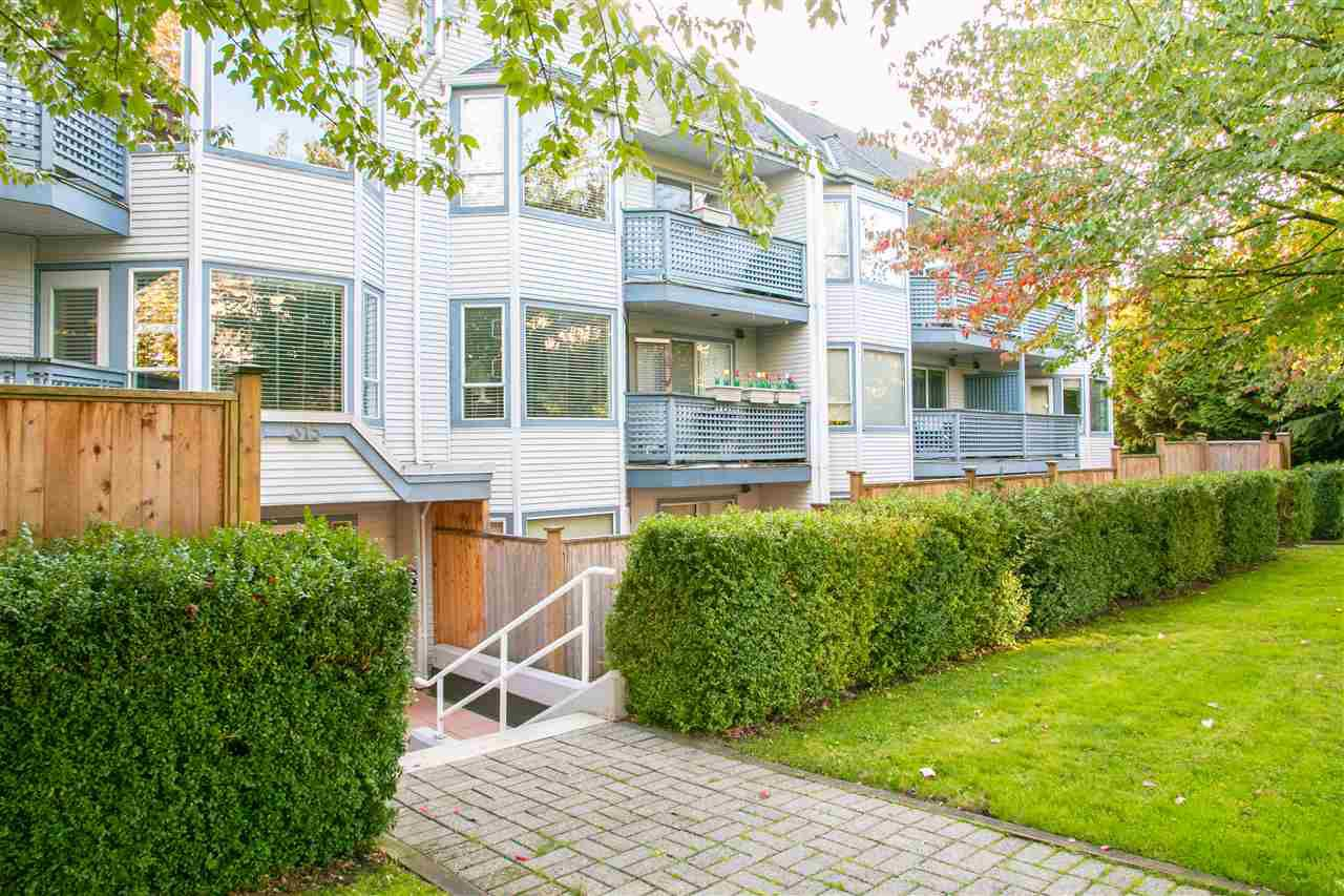 """Main Photo: 208 315 E 3RD Street in North Vancouver: Lower Lonsdale Condo for sale in """"Dunberton Manor"""" : MLS®# R2310015"""