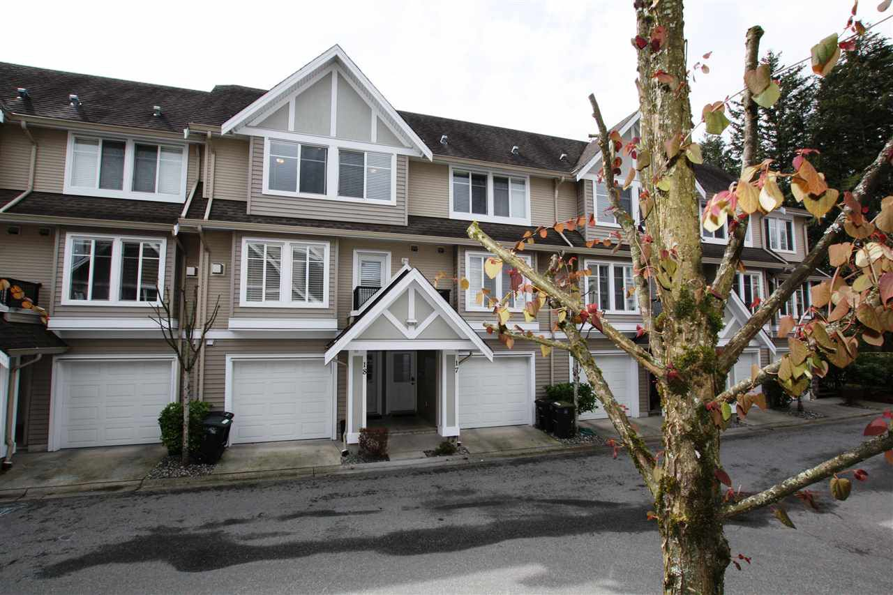 "Main Photo: 18 19141 124 Avenue in Pitt Meadows: Mid Meadows Townhouse for sale in ""MEADOWVIEW ESTATES"" : MLS®# R2335266"