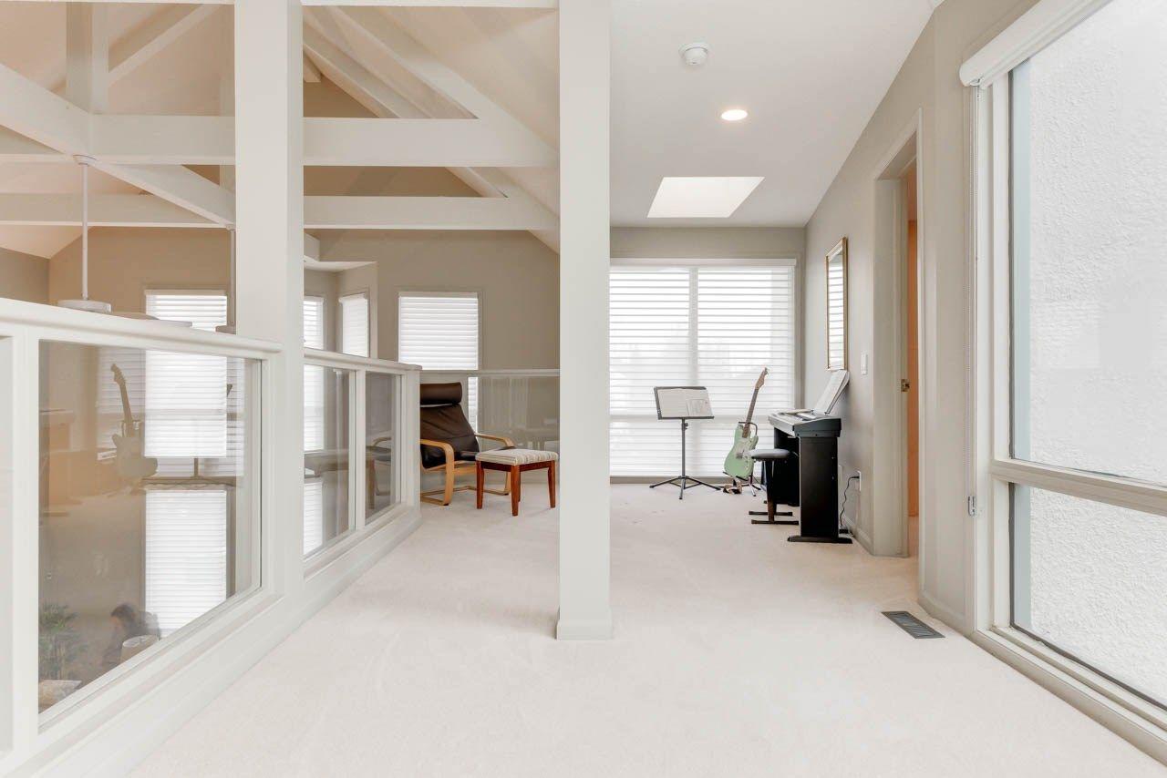 Photo 16: Photos: 827 WHEELER Road W in Edmonton: Zone 22 House for sale : MLS®# E4151881
