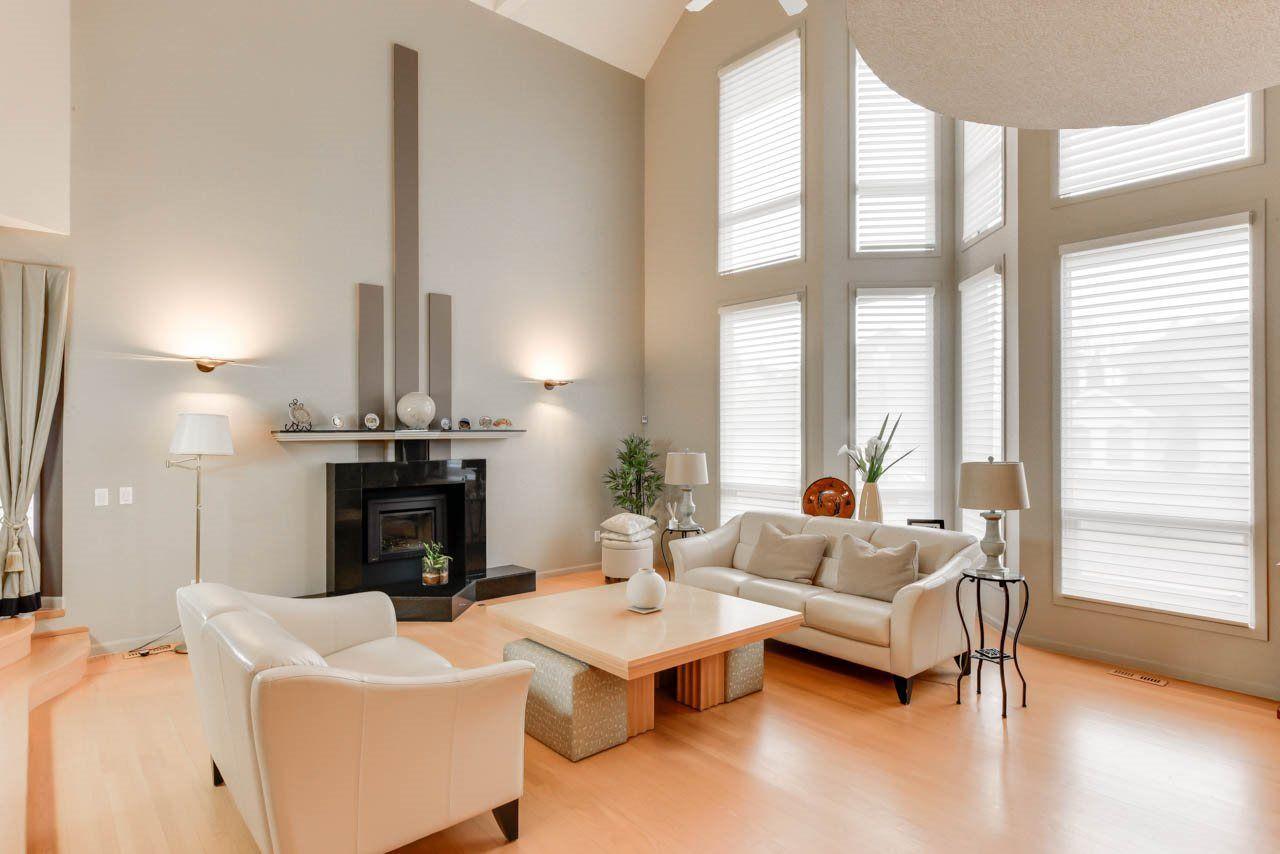 Photo 4: Photos: 827 WHEELER Road W in Edmonton: Zone 22 House for sale : MLS®# E4151881