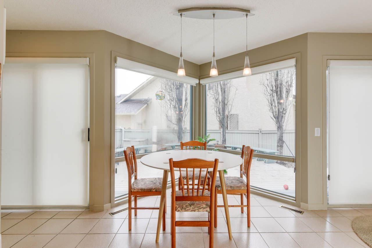 Photo 13: Photos: 827 WHEELER Road W in Edmonton: Zone 22 House for sale : MLS®# E4151881