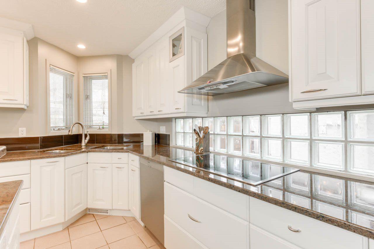 Photo 12: Photos: 827 WHEELER Road W in Edmonton: Zone 22 House for sale : MLS®# E4151881