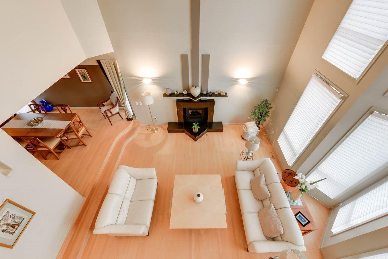 Photo 5: Photos: 827 WHEELER Road W in Edmonton: Zone 22 House for sale : MLS®# E4151881