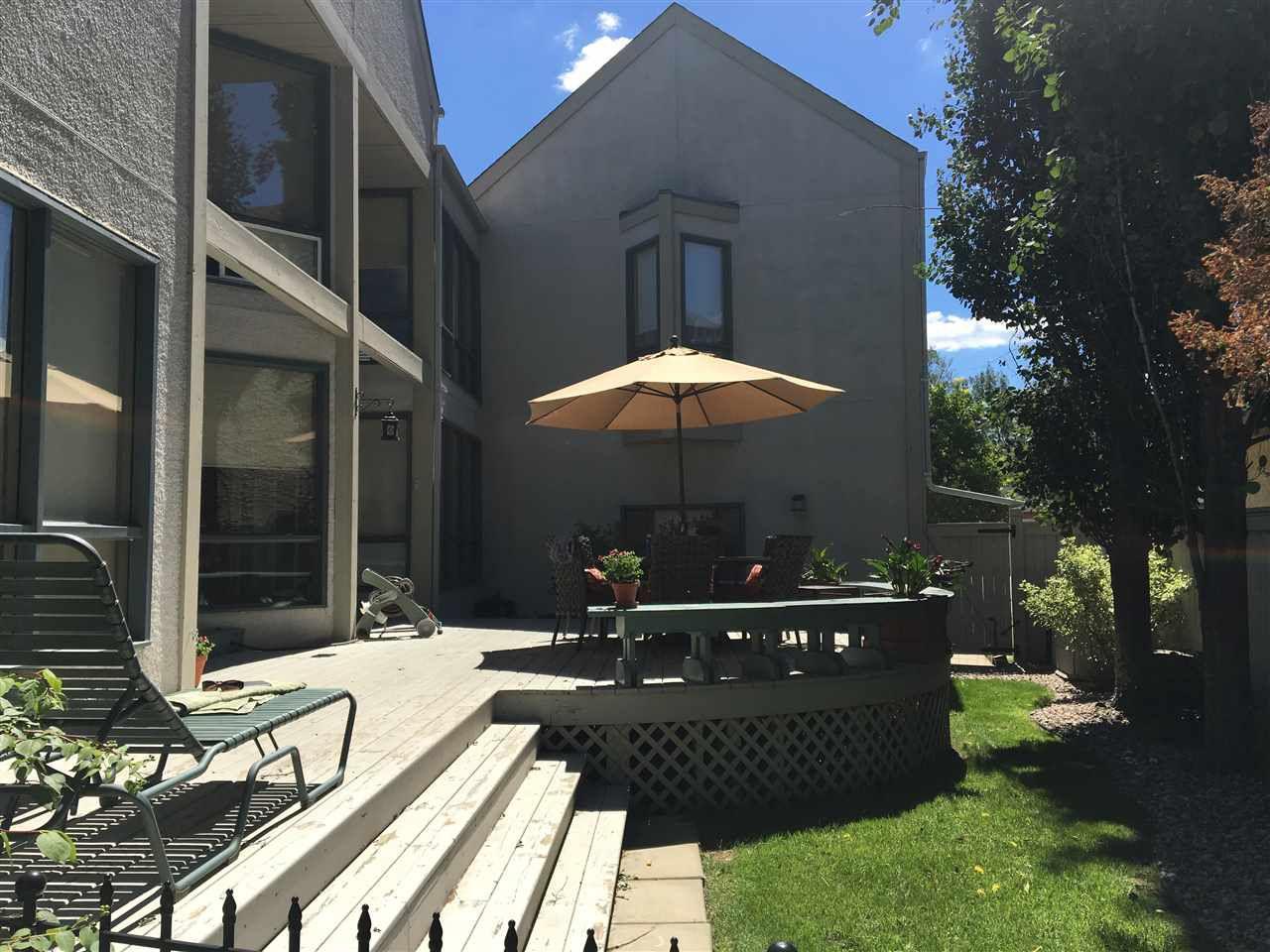 Photo 29: Photos: 827 WHEELER Road W in Edmonton: Zone 22 House for sale : MLS®# E4151881