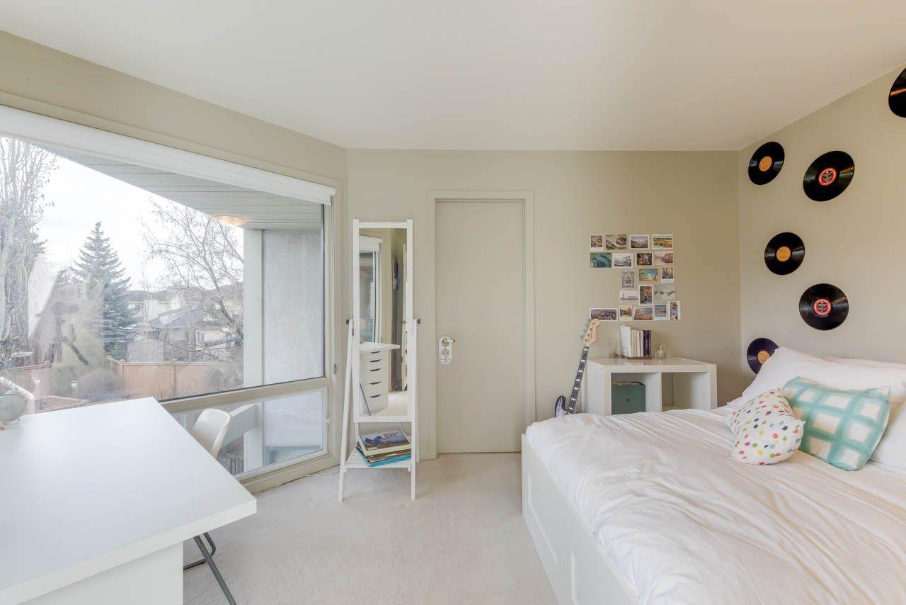 Photo 20: Photos: 827 WHEELER Road W in Edmonton: Zone 22 House for sale : MLS®# E4151881