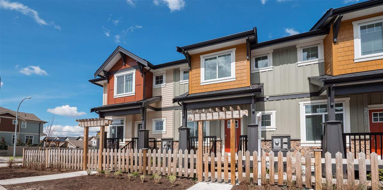 Main Photo: 20413 82 Avenue in Langley: Willoughby Heights Condo for sale : MLS®# R2371134