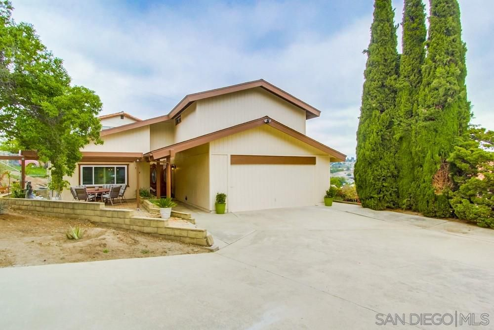 Main Photo: SPRING VALLEY House for sale : 4 bedrooms : 9908 Tangor Way