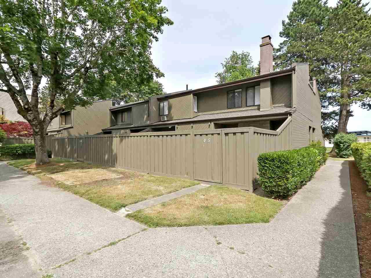 "Main Photo: 46 9460 GLENALLAN Drive in Richmond: Saunders Townhouse for sale in ""SHARON GARDENS"" : MLS®# R2381806"