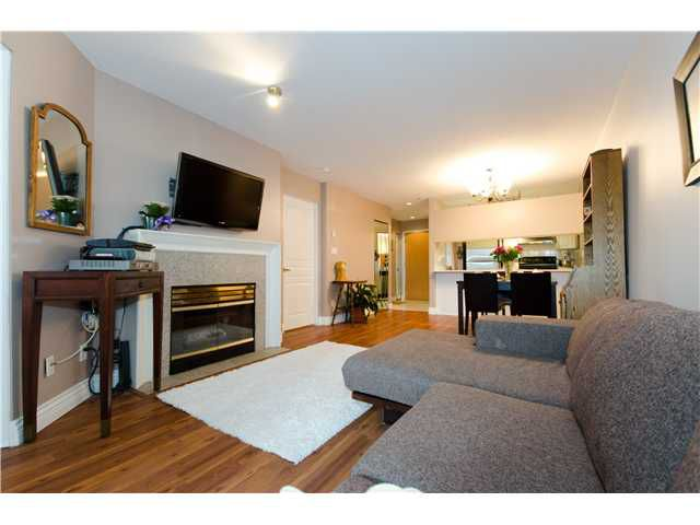 "Main Photo: E309 515 E 15TH Avenue in Vancouver: Mount Pleasant VE Condo for sale in ""HARVARD PLACE"" (Vancouver East)  : MLS®# V908538"