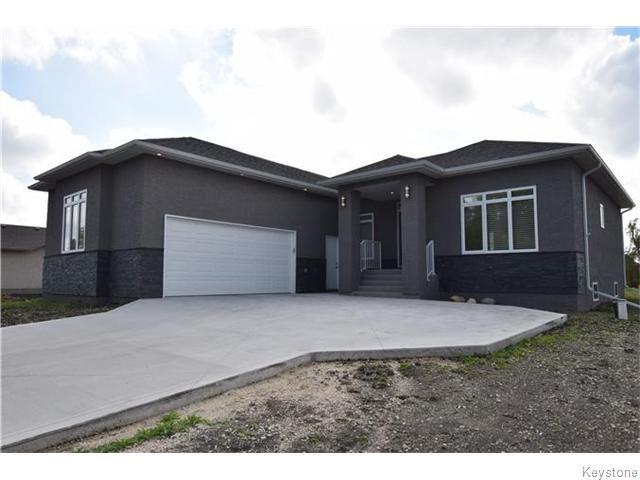 Main Photo: 336 Drury Avenue in WINNIPEG: West Kildonan / Garden City Residential for sale (North West Winnipeg)  : MLS®# 1526383