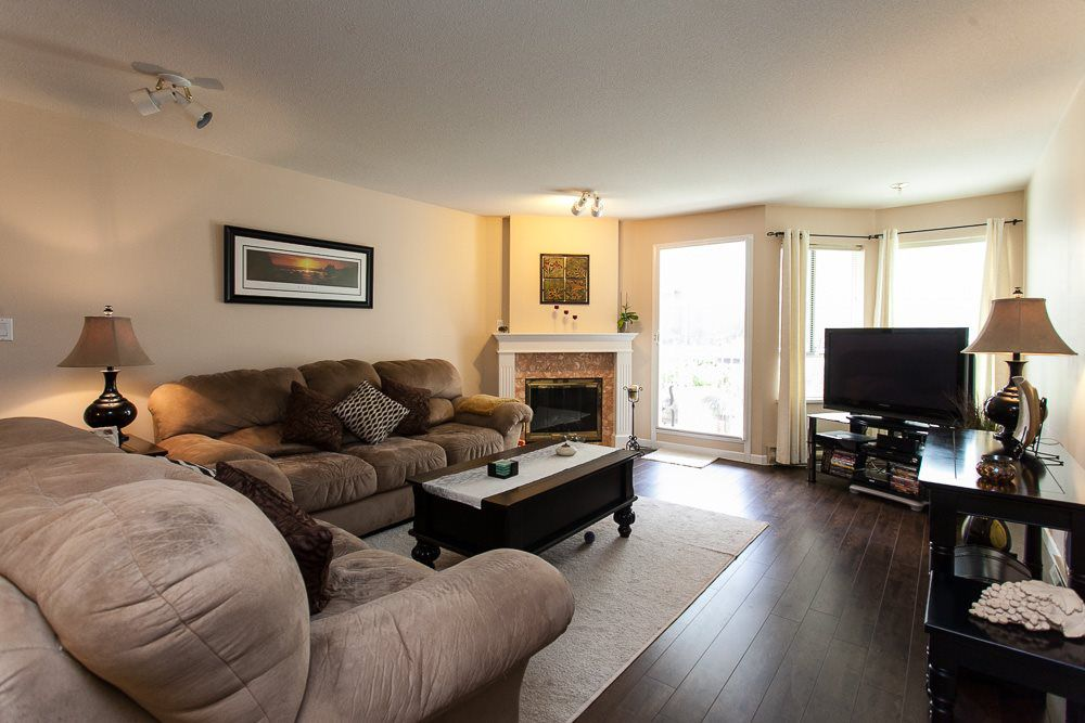 "Main Photo: 114 9299 121 Street in Surrey: Queen Mary Park Surrey Condo for sale in ""HUNTINGTON GATE"" : MLS®# R2087405"