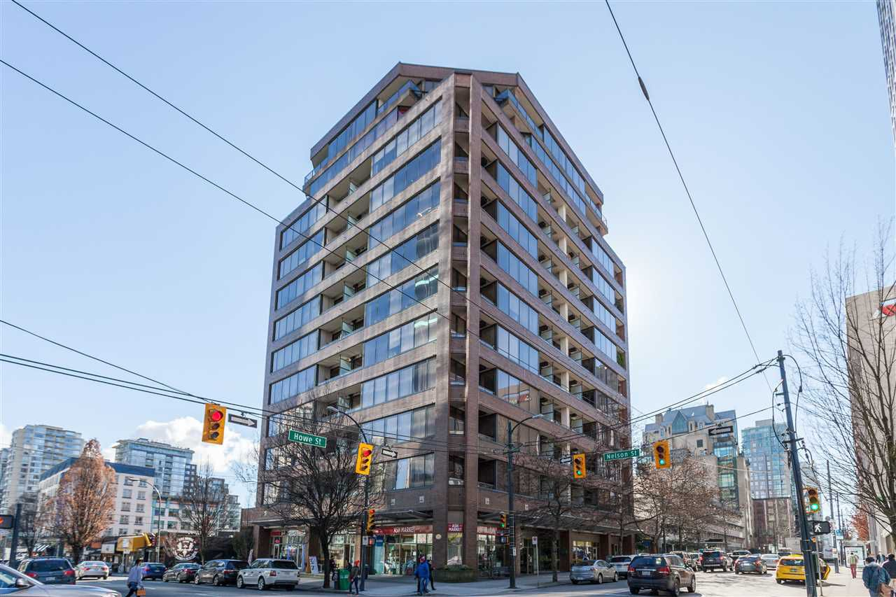 """Main Photo: 205 1010 HOWE Street in Vancouver: Downtown VW Condo for sale in """"1010 HOWE"""" (Vancouver West)  : MLS®# R2141634"""